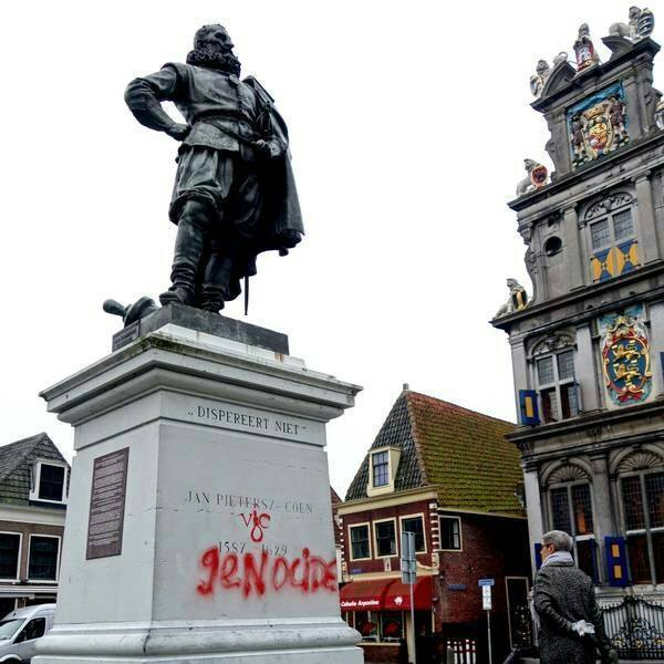 Standbeeld-van-Jan-Pieterszoon-Coen-in-Hoorn-FB